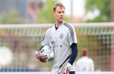 Manuel Neuer: Gừng càng già càng cay