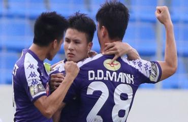 Quang Hải và Văn Quyết khiến HLV Park Hang Seo đau đầu