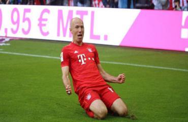 Robben rộng đường trở lại Ngoại hạng Anh