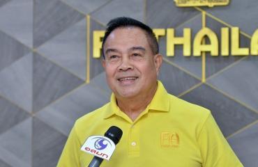 Bóng đá Việt Nam tối 17/5: Thái Lan ở 'cửa dưới tuyển Việt Nam, Quang Hải xuất sắc nhất tháng 4