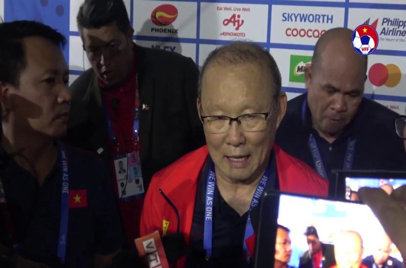 Thầy Park gửi chiến thắng cho người dân Việt Nam