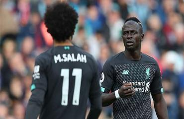 Klopp phải nói chuyện riêng giúp hòa giải Mane và Salah