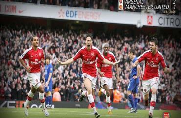 Thời hoàng kim, MU từng thua bẽ mặt trước đội hình toàn 'chú nhóc' của Arsenal