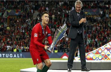 Ronaldo trong mắt những huyền thoại khác như thế nào?