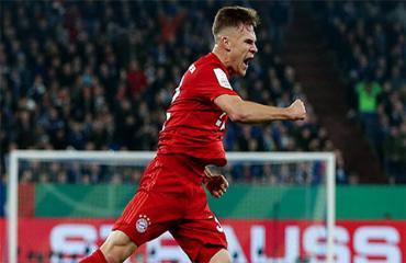 Tại sao Kimmich lập được siêu phẩm ở trận Bayern đánh bại Dortmund?