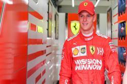 'Tiểu Schumacher' xuất hiện trên đường đua F1