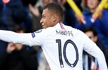 Mbappe ghi bàn thứ 100 sự nghiệp, đe dọa thành tích của Messi & Ronaldo