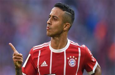 Thiago - 'phù thủy' của Bayern