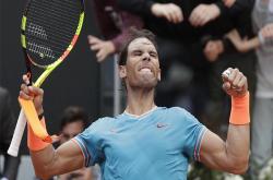 'Bắn hạ' Tsitsipas, Nadal chơi trận chung kết Masters thứ 50 ở Rome