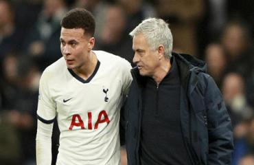 Mourinho bảo vệ Alli sau vụ cợt nhả về virus Corona