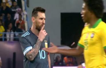 Messi bị tố xấc xược với HLV Tite