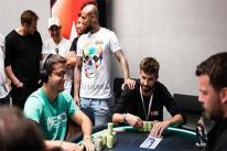 Pique và Vidal hốt 'núi tiền' ở giải poker châu Âu