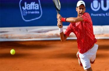 Djokovic - Sai một ly, đi một dặm