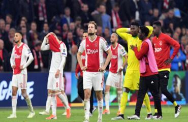 Ajax gục ngã trước cửa thiên đường: Vui lên đi, vì hạnh phúc là một hành trình
