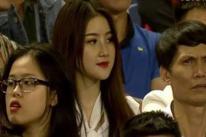 Chiêm ngưỡng vẻ đẹp cô nàng làm sôi sục người xem trận Việt Nam 4-0 Thái Lan