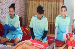 Nữ cầu thủ Thái Nguyên: Lương 3 triệu/tháng, xin đi làm công nhân