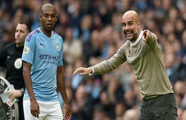 Fernandinho phải giảm lương nếu ở lại Man City