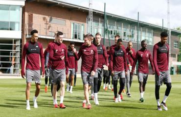 Liverpool mở cửa sân tập