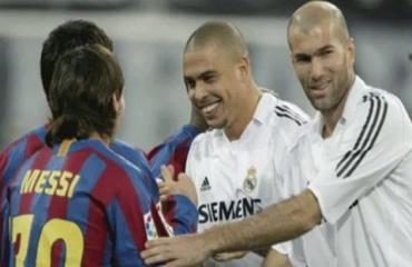 Cầu thủ duy nhất Messi yêu cầu đổi áo đấu là ai?