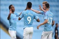 Những điểm nhấn sau màn hủy diệt tân vương Liverpool của Man City