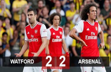 Watford 2-2 Arsenal: Pháo thủ đánh rơi chiến thắng vì sai lầm hàng thủ