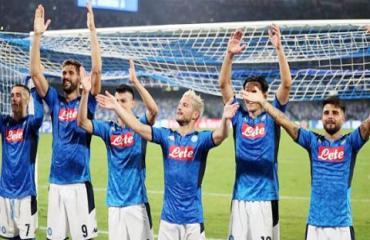 Napoli & Cuộc tháo chạy của bóng đá lãng mạn