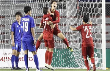 Bóng đá Việt Nam lại khiến Thái Lan 'rùng mình'