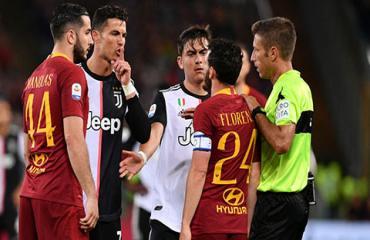 Ronaldo tự phụ, chế nhạo chiều cao của đối thủ