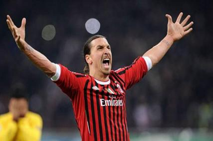 Vừa trở lại Serie A, Ibrahimovic đã ghi tên mình vào lịch sử