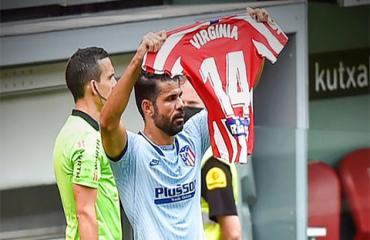 Giải mã màn ăn mừng lạ lùng của Diego Costa