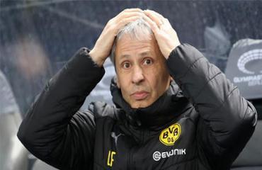 Thầy trò HLV Favre không phục chiến thắng của Bayern