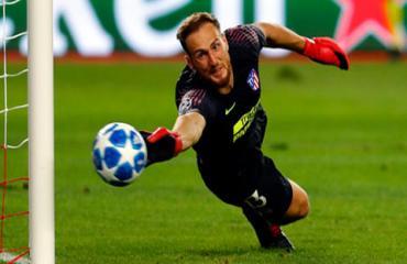 Vượt qua Casillas và Valdes, Oblak đi vào lịch sử La Liga