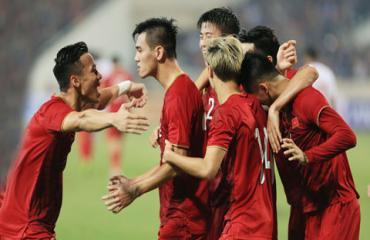 ĐT Việt Nam trước trận gặp Malaysia: Lấy tấn công bù phòng ngự
