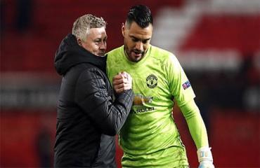 Đã đến lúc Romero thay De Gea bắt chính ở M.U
