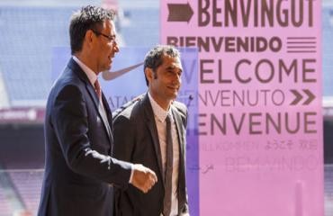 Toàn cảnh diễn biến vụ Barca sa thải HLV Valverde