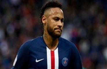 Neymar không còn bất khả xâm phạm