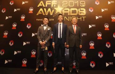 Bóng đá hôm nay 9/11: Thầy Park và Quang Hải thắng lớn tại AFF Awards. Xhaka từ chối ra sân cùng Arsenal