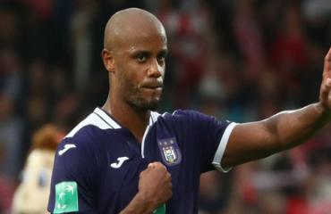 Kompany bị Anderlecht cách chức HLV