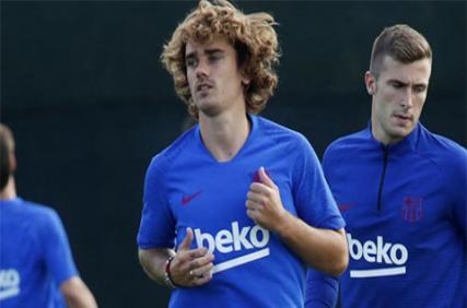 Griezmann liên tục 'thổi' Barca dù chưa đá trận nào