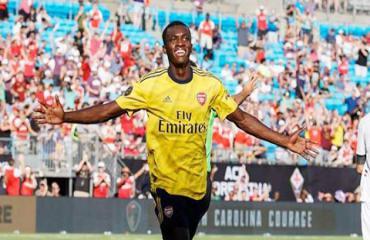 Arsenal: Emery bối rối vì phong độ chói sáng của Nketiah