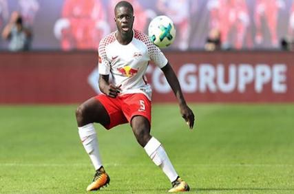 RB Leipzig đau đầu vá lỗ hổng của Upamecano