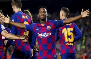 Barca giữ chân 'thần đồng' Fati bằng lương khủng