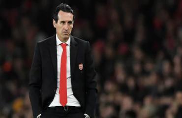 Arsenal không sa thải Emery