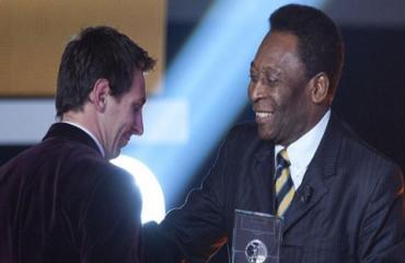 Pele: 'Messi xuất sắc nhất thế giới'