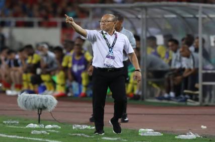 Bóng đá Việt Nam tối 20/5: HLV Park Hang Seo trở lại Việt Nam, Văn Toàn lập kỷ lục