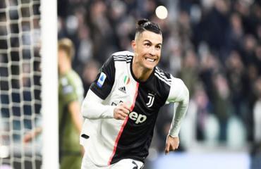 Ronaldo bứt tốc ngoạn mục ở cuộc đua Vua phá lưới Serie A